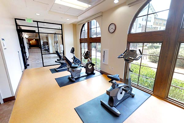 assisted living on-site amenities
