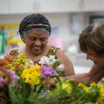 6 Health Benefits of Gardening for Seniors